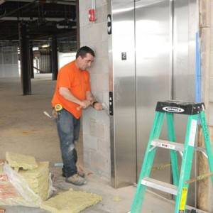 Le ofrecemos mantenimiento de ascensores en Valencia
